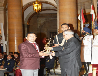 Subedar Sushil Kumar Rana receiving